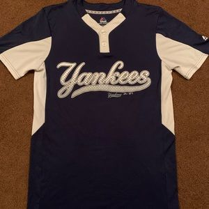 Adult small Yankees jersey shirt